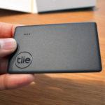 スマホからBluetoothで忘れ物を探せる『Tile(タイル)』が便利! 財布に入るカードタイプのトラッカーもあるよ