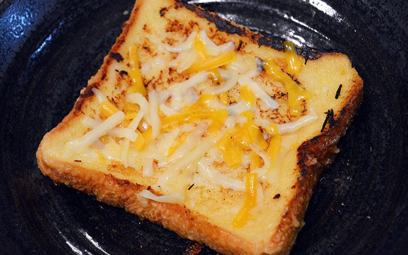 【詳細】Twitterで3万いいね超えした「フレンチトースト風コーンスープ食パン」の美味しい作り方